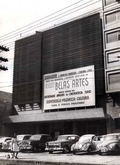 Cine Trianon foi fechado para reformas em 1967 e reabriu em 29 Junho 1967. Note que o Cine Ritz, à esquerda, apesar de estar fechado, ainda não tinha sido demolido. Muita gente acha que o Cine Ritz-Consolação e o Cine Trianon eram um mesmo cinema. Eram 2 cinemas distintos existindo lado a lado, pelo menos de 1958 a 1966.