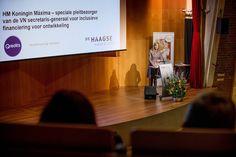 La Cour Royale Neerlandais: La Reine des Finances   Ce 22 Mars cétait Maxima la spécialiste des finances qui nous avons vu Mardi à l'Université de La Haye. La Reine des Pays-Bas va en effet intervenir en tant que membre du Comité néerlandais pour l'entrepreneuriat et le financement lors d'un séminaire portant sur le rôle que les institutions financières peuvent jouer dans la promotion de la participation économique des personnes. En plus des enseignants et des étudiants de cette université…