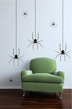 Love this DIY spiders photo booth backdrop idea for a Halloween party.