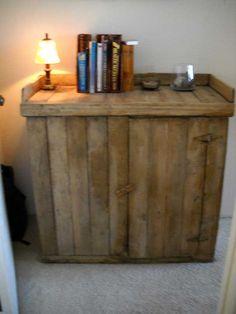 Móvel para vinhos e outros apetrechos feito de pallets  Aí estão 10 idéias de móveis que você mesmo pode fazer para sua casa, escritório, ...