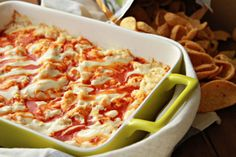 Nothing goes better with March Madness than buffalo chicken dip, and buffalo chicken dip is at its best when it is easy to make. This recipe from Southern Bite will take you about 10 minutes to prepare, and 30 minutes...