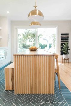 Mid Century Modern Before And After Home House Seasons, Minimal Kitchen, White Subway Tiles, Wet Rooms, Mid Century House, Kitchen Flooring, Small Apartments, Home Renovation, Kitchen Remodel