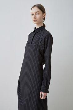 Arthur Arbesser | Fall 2015 Minimalist Fashion Women, Minimal Fashion, Minimal Style, Fashion Over 40, Fashion Show, Women's Fashion, Fashion Details, Fashion Design, Womens Fashion For Work