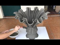 Diy Crafts Hacks, Diy Arts And Crafts, Crafts To Sell, Easy Crafts, Decor Crafts, Home Decor, Diy Concrete Planters, Cement Garden, Cement Art