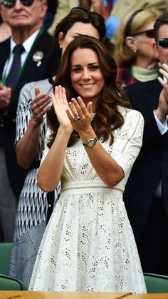 Kate Middleton Photos - Catherine, Duchess of Cambridge attends day nine of the Wimbledon Lawn Tennis Championships at the All England Lawn Tennis and Croquet Club at Wimbledon on July 2014 in London, England. Pippa Middleton, Style Kate Middleton, Kate Middleton Pregnant, Kate Middleton Photos, Kate Middleton Wimbledon, Duke And Duchess, Duchess Of Cambridge, Duchesse Kate, Vestidos