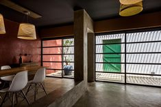 Image 1 of 18 from gallery of The Photo Company / Lovekar Design Associates. Photograph by Hemant Patil