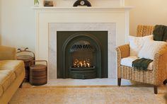 The Valor Portrait gas fireplace offers a diverse collection of adaptive fronts complementing both traditional and contemporary room settings. Small Fireplace, Custom Fireplace, Home Fireplace, Fireplace Remodel, Living Room With Fireplace, Fireplace Design, Fireplace Ideas, Valor Fireplaces, Gas Fireplaces