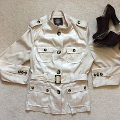 Safari inspired jacket Lightweight. Unlined. Cream fabric has a slight sheen. Great condition. Solitaire Jackets & Coats