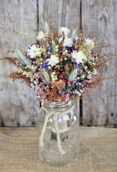 LAND MÄDCHEN trockenen Blumenstrauß – Herbst rustikale Hochzeitsstrauß – Brau… COUNTRY GIRL dry bouquet – autumn rustic wedding bouquet – bridal bouquet – bridesmaid bouquet – fall colors with a splash of purple Bridal Bouquet Fall, Fall Wedding Bouquets, Bride Bouquets, Flower Bouquet Wedding, Wedding Centerpieces, Wedding Decorations, Bridesmaid Bouquets, Wedding Ideas, Wedding Venues