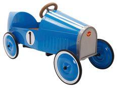 Coche a pedales Montlhéry de Baghera. Un verdadero coche de campeones! Este coche hará soñar a pequeños y a grandes! Está construido para durar, carrocería de metal muy robusta. Volante de madera.