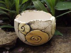 Sommerlaune Pflanzschale mit Schneckenornament ~ die besondere Deko für Haus oder Garten aus eigener Herstellung ~ von Hand modellierte Einzelstücke ... einfach an einem schönen Plätzchen in...