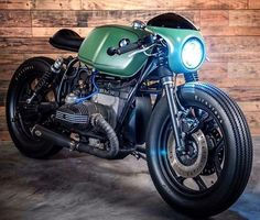 """""""Mi piace"""": 11.4 mila, commenti: 22 - CAFE RACER caferacergram (@caferacergram) su Instagram: """" by CAFE RACER   TAG: #caferacergram   Introducing the 'Greenlight Racer' BMW R80 by @eakkspeed…"""""""