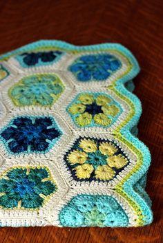 african flower crochet (love pattern, love colors).  Made by http://tanisfiberarts.blogspot.com/