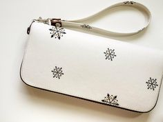 聖誕節限定白雪。防水長夾/皮夾 - ╭° *Butter Two Shop 奶油兔* | Pinkoi