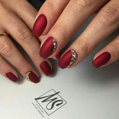 53 Most Fabulous And Gorgeous 💖 Red Short Matte Nails Idea For Prom And Wedding 💅 - Nail Design 09 Red Wedding Nails, Wedding Nails Design, Silver Nail Designs, Elegant Nail Designs, Red And Silver Nails, Jolie Nail Art, Cute Pink Nails, Short Gel Nails, Gel Nagel Design