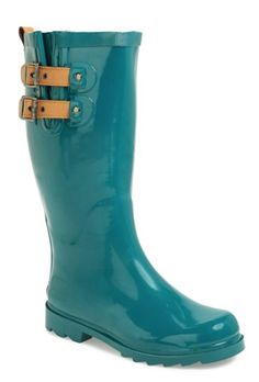 glossy teal rain boots http://rstyle.me/n/rbw4spdpe