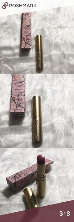 TOO FACED LA CREME COLOR DRENCHED LIP CREAM-BNIB BRAND NEW IN BOX 100% AUTHENTIC TOO FACED LA CREME COLOR DRENCHED LIP CREAM  SHADE: TAFFY, COLOR IS A PINK MARSHMALLOW NUDE SIZE: FULL SIZE 0.11 OZ/3 G MOISTURE RICH LOTUS FLOWER AND POWER PEPTIDES. INDULGE LIPS WITH RICH CREAMY COLOR, DRENCHED WITH POWERFUL LIP CONDITIONERS. A RICH AND CREAMY LIP COLOR INFUSED WITH MOISTURIZING AND STRENGTHENING BENEFITS.  NO TRADES. OPEN TO REASONABLE OFFERS. Too Faced Makeup Lipstick