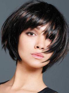 Collection  Project 10 by Toni amp; Guy Coiffure Femme - Cheveux courts Coupe effet boule dégradée, avec une frange courte, très droite.