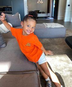 Mode Kylie Jenner, Looks Kylie Jenner, Kylie Jenner Outfits, Cute Kids Fashion, Baby Girl Fashion, Cute Mixed Babies, Cute Babies, Estilo Kardashian, Kardashian Jenner