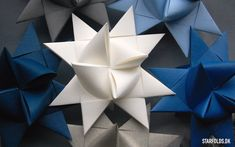 Færdig flettede stjerner af papirstrimler – Origami Community : Explore the best and the most trending origami Ideas and easy origami Tutorial Simple Christmas, Winter Christmas, Christmas Crafts, Christmas Stars, Christmas Ideas, Origami Tutorial, Origami Easy, Poinsettia, Paper Art