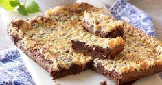 Mandeltosca och kladdkaka i en och samma kaka – godare än så blir det inte!