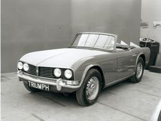 One of the design proposals for the Triumph TR5. Thank God they didn't proceed with this one