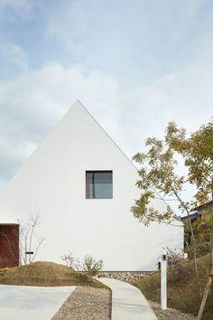 a moon and her Sopo - architags: Airhouse- Keiichi Kiriyama. Architecture Durable, Architecture Design, Scandinavian Architecture, Minimalist Architecture, Facade Design, Residential Architecture, Contemporary Architecture, Exterior Design, House Design
