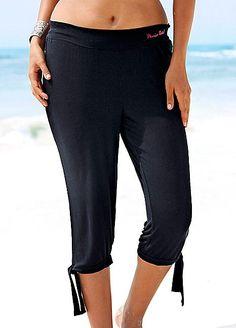 Black Capri Leggings by Beachtime