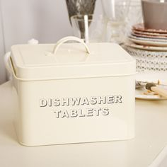A great way to keep your dishwasher tablets tidy and airtight. Finished in a rich cream colour, this tin box can hold a generous amount of tablets of all shapes and sizes! With contrasting black wording on the front, this store can be displayed around your kitchen or utility area for added decoration, or put in a pantry for safe keeping!
