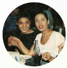 Chris n Selena Selena Quintanilla Perez, Selena Mexican, Selena And Chris Perez, Mexican Outfit, Mexican American, Best Artist, Spirit Animal, My Idol, Famous People
