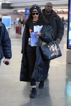 Street Style Rihanna, Mode Rihanna, Street Style Trends, Winter Outfit For Teen Girls, Winter Outfits Women, Winter Fashion Outfits, New Outfits, Mode Streetwear, Streetwear Fashion