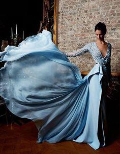 Flowing gowns / karen cox. 2015