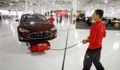 АУТОТИМ: Tesla обмисля производство в Словакия?
