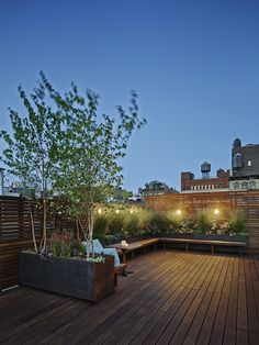 See more ideas on rooftop gardens, hotel rooftop, rooftop bars, rooftop restaurants, rooftop lounge and more at www.homedeisgnideas.eu and http://goo.gl/3FgYyj