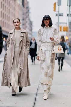 The Latest Street Style From New York Fashion Week- street style fall 2019 Top Street Style, New York Fashion Week Street Style, Nyfw Street Style, Street Style Trends, Autumn Street Style, Street Style Women, Street Wear, Street Fashion, Song Of Style