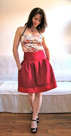 circle skirt with pocket tutorial/ Similar to the denim skirt I pinned and have never found in a store.