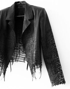 Visions of the Future: Dystopian Fashion, Elvira't hart