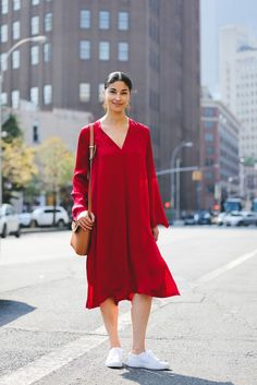 The big city's been too hot for anything but a breezy frock. #refinery29 http://www.refinery29.com/2016/09/120553/nyfw-spring-2017-best-street-style-outfits#slide-37