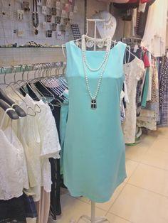 Váy lụa mầu bạc hà