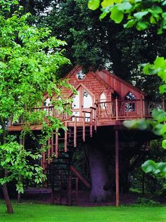 treehousecompany | Love the windows and those stairs. Tops in design of a tree house!