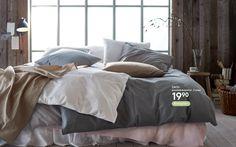 Verhoja, pussilakanasettejä, sisustustarvikkeita, kodintekstiilejä, koristetyynyjä ja paljon muuta. Comforters, Blanket, Bed, Home, Creature Comforts, Quilts, Stream Bed, Ad Home, Blankets