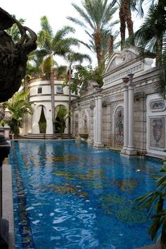 Designer Gianni Versace Celebrity Home - Designer Gianni Versace Celebrity Home: Price | Home Goes Strong