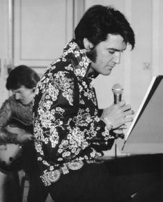 Elvis during rehearsals 1970