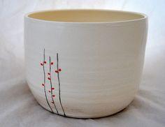 red pod vine on white planter di muddypotts su Etsy, $40.00