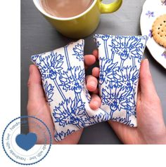 Keep cosy on winter days with these cute eco-friendly blue flowers print microwavable hand warmers; designed, printed and lovingly sewn together by independent textile designer Megan Alice England; the perfect treat for those who feel the cold in their hands. Because they can be heated in the microwave, they're quick and convenient to use. Can also be used as a cold compress by placing in a plastic bag in the freezer for 3-4 hours; suitable for pain & injury relief #hands #warm #gift…