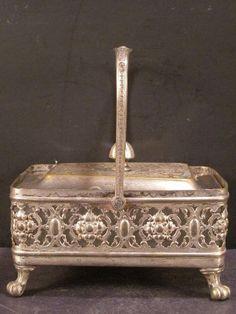 Glass Flower Vases, Roseville Pottery, Wmf, Pot Sets, Glass Dishes, Serving Dishes, New Art, Art Nouveau, Silver Plate