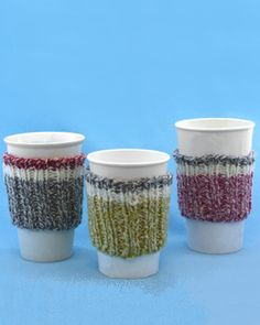 Quick knit cup cozy that looks like a striped sock! Knit in Bernat Denimstyle.