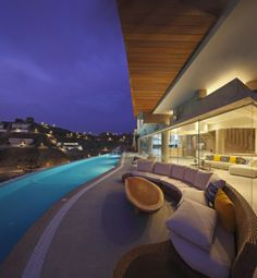Casa de Playa Veronica / Longhi Architects