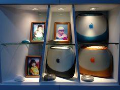 iBook G3 display corner Mac, Apple Home, Singapore, Corner, Museum, Display, Floor Space, Billboard, Museums