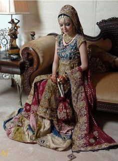 Indian Wedding Dresses 2011 Bridal wear the most important thing, the importance of bridal dress can't be denied in any way. Asian Bridal Dresses, Pakistani Wedding Dresses, Designer Wedding Dresses, Wedding Sari, Punjabi Wedding, Wedding Outfits, Party Wedding, Bridal Gowns, Dream Wedding